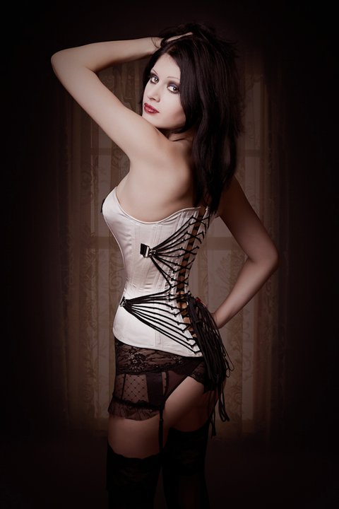 http://agatad.gorod.tomsk.ru/posts-files/62/670/i/fan_lacing_corset_by_v_couture_boutiqued37byiw.jpg